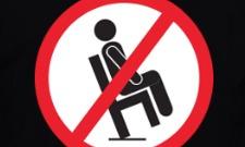 Zákaz houpání na židli!